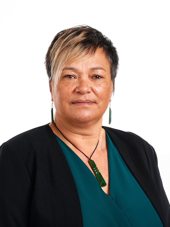 Helen Te Kani